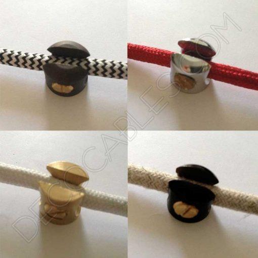 Sujeción metálica para cables de varios colores
