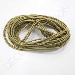 Cable eléctrico redondo metálico de color dorado