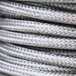 Cable eléctrico redondo metálico de color plata