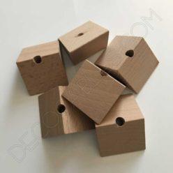 Triángulo de madera para cable